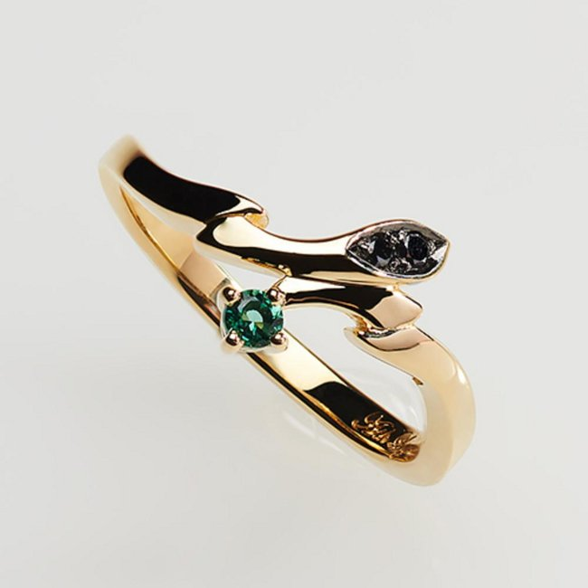 Statue and ring style - Ash Lynx (gold ring ~Only one rose~) Japanese size 9.